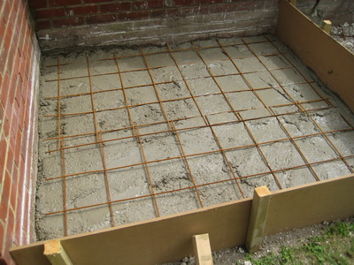Concrete with steel mesh